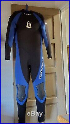 O'NEIL Back-zip Full 7MM Wetsuit. Black with Blue Trim, Style 4259. Worn only tw