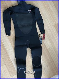 O'Neill's PSYCHO TECH 5.5/4MM CHEST ZIP FULL WETSUIT With HOOD