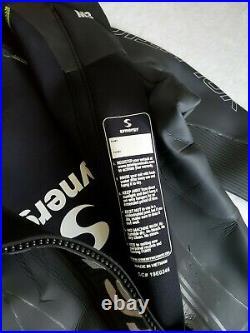 Synergy Triathlon Wetsuit 3/2mm Volution Full Sleeve Smoothskin Neoprene Mens M3