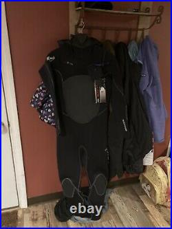 XCEL Men's Drylock 5/4 Hooded, Full Wet suit (Size ML) This is a brand new suit
